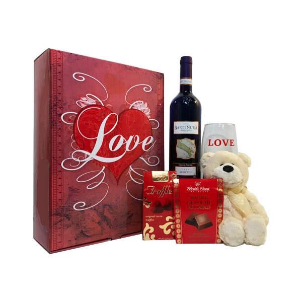 Bartenura Moscato Love Bear Gift Set